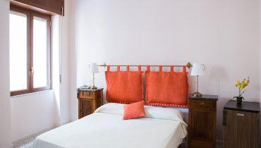 1.battipaglia-camera-matrimoniale-con-bagno-privato