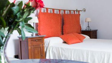 4.battipaglia-camera-matrimoniale-con-balcone